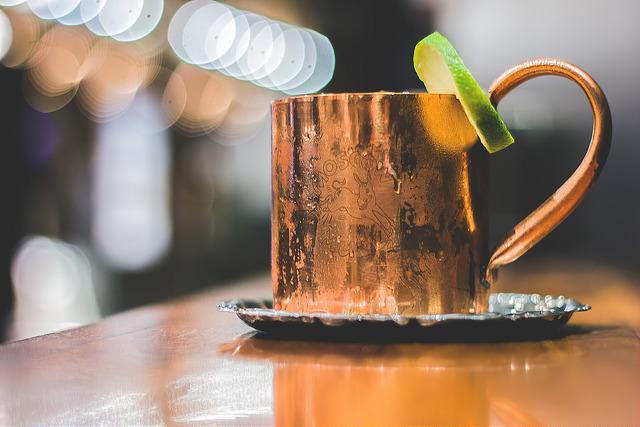 4114d1574f8d Pulseras de cobre y cócteles: ¿el cobre te curará o te matará ...