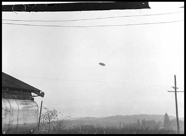 "Paul Trent's photo of a supposed ""flying saucer"""